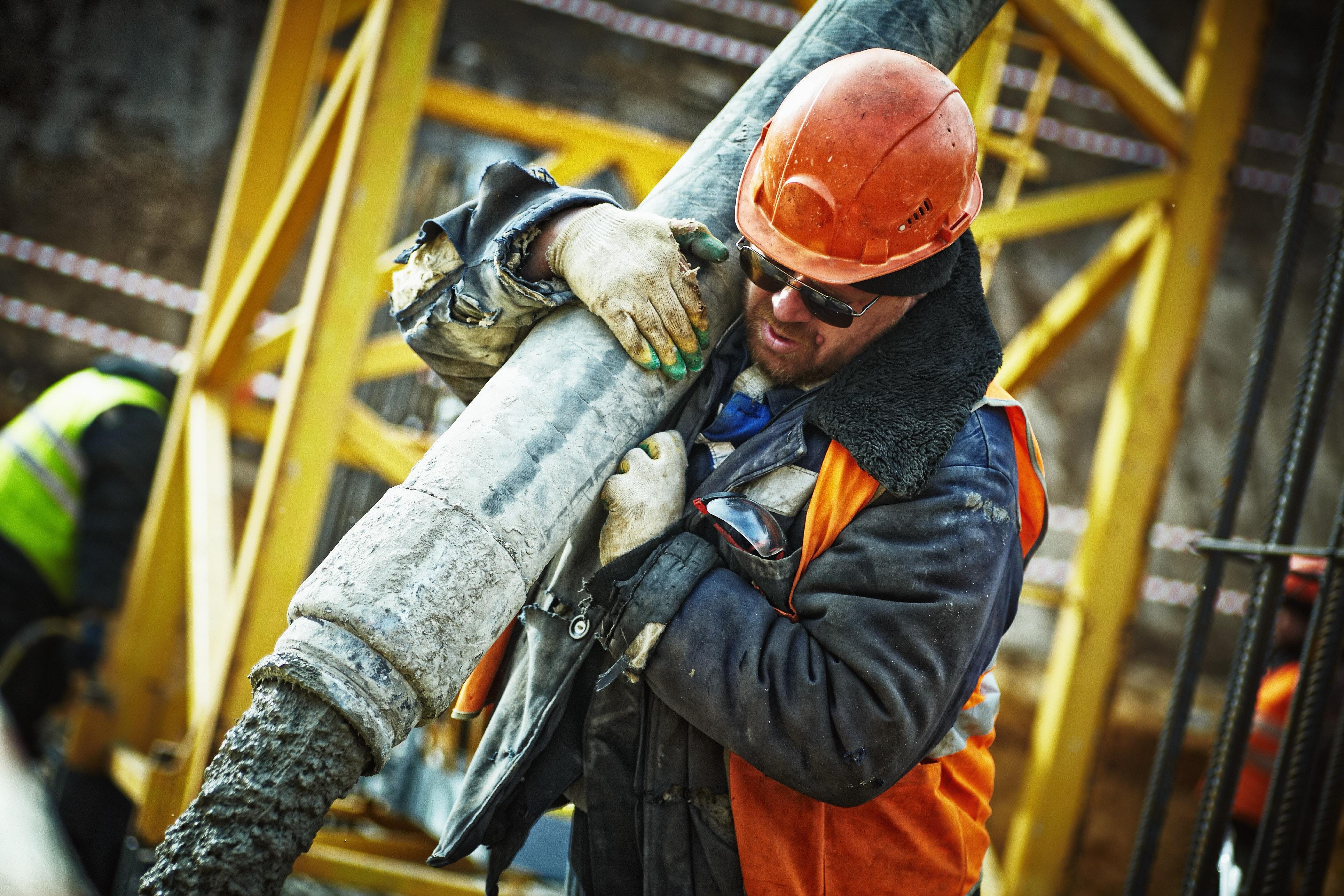 i carichi pesanti sono spesso causa di infortunio sul lavoro