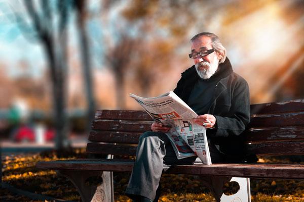 anziano al parco